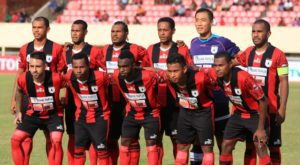 Tim Persipura Jayapura foto bersama sebelum laga kontra PBFC