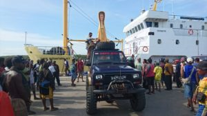 Patung Bunda Maria Ratu Perjanjian yang berasal dari Depapre Kabupaten Jayapura tiba di Merauke