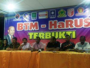 Tim Sukses BTM-HaRus saat memberi keterangan pers