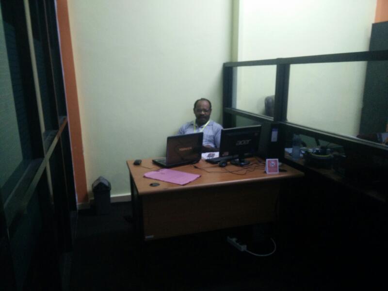 Ruang belajar di PLI yang berstandar internasional ditopang para pengajar andal dibidangnya.